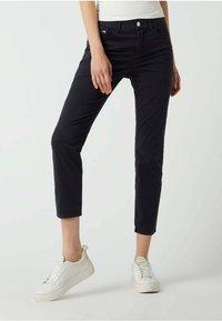MAC Jeans - SLIM FIT IN 7/8-LÄNGE - Straight leg jeans - dunkelblau - 0