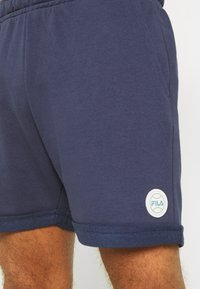Fila - NOLAN SHORTS CROPPED - Sports shorts - black iris - 3