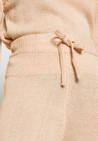 Missguided - HIGH NECK SLEEVE DETAIL JOGGERS  - Strikkegenser - pink - 5
