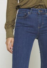 Twist & Tango - JO - Flared Jeans - mid blue - 3