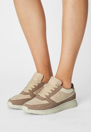 LEATHER - Sneakers laag - pink
