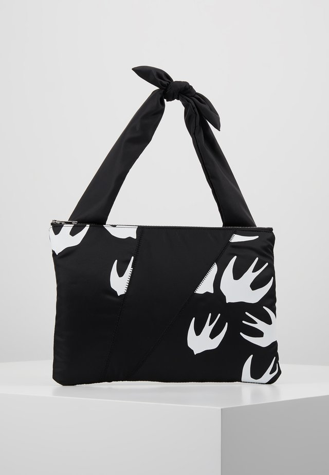 KNOTTED TABLET POUCH - Pochette - black/white