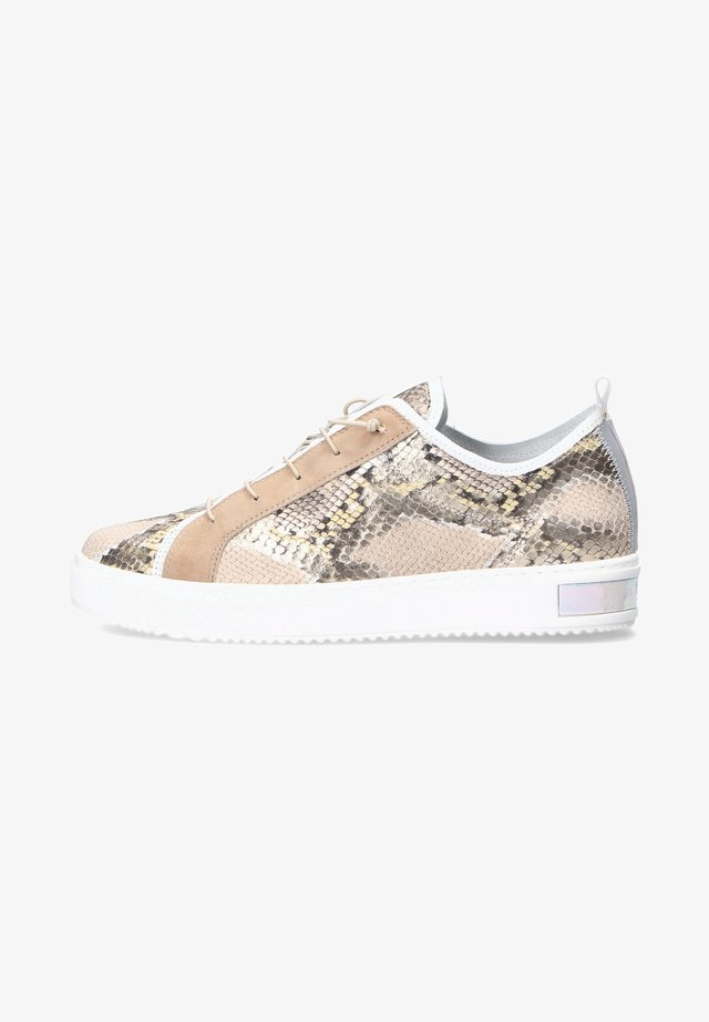 Sneakers laag - gold