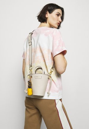 SHOULDER BAGS - Handbag - cement beige