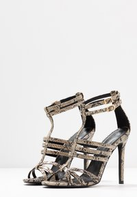 co wren - High heeled sandals - beige - 4