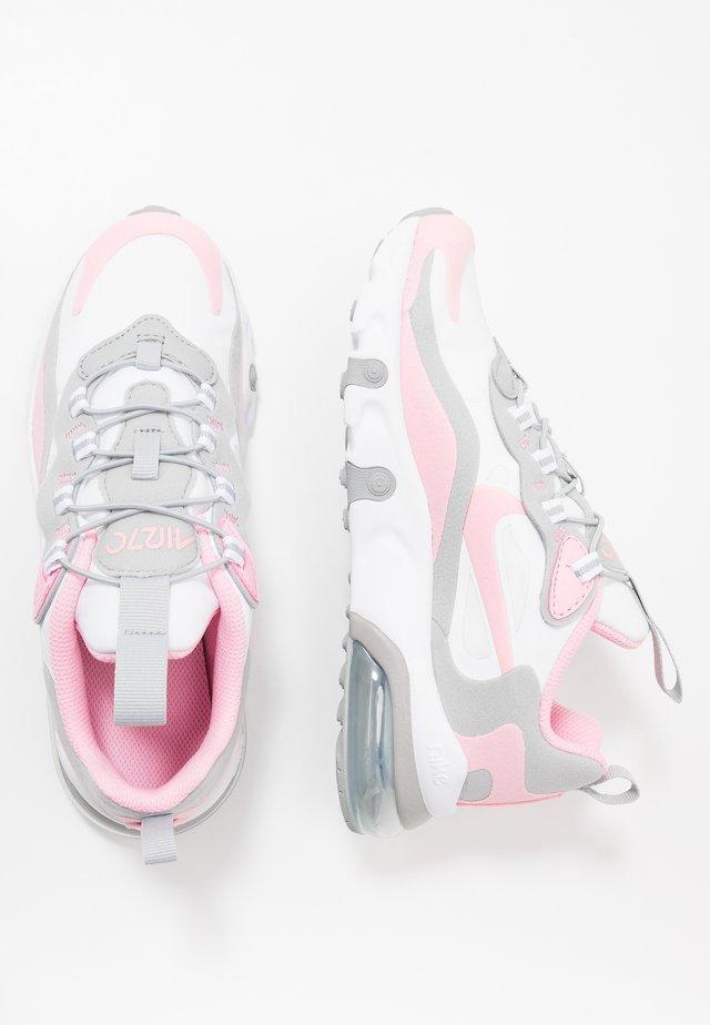 NIKE AIR MAX 270 RT BP - Sneakers laag - white/pink/light smoke grey/metallic silver