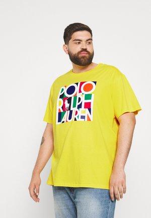 Print T-shirt - racing yellow