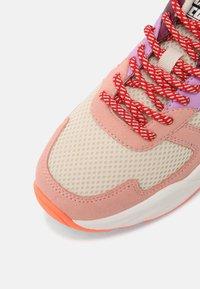 Scotch & Soda - CELEST - Sneakers laag - pink/multi - 7