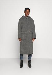 Oakwood - ARIZONA REVERSIBLE - Zimní kabát - beige/grey - 3