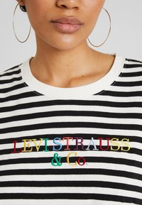 Levi's® - GRAPHIC LONG SLEEVE  - Long sleeved top - cloud dancer - 4