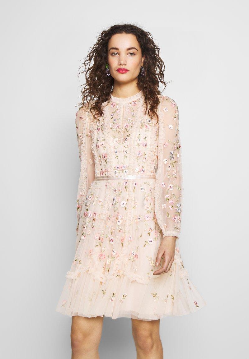 Needle & Thread - WALLFLOWER DRESS - Koktejlové šaty/ šaty na párty - pink