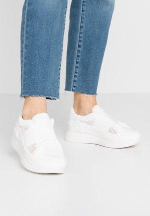 LIBU LITE - Slippers - white