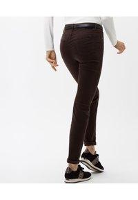BRAX - STYLE SHAKIRA - Jeans Skinny Fit - brown - 3