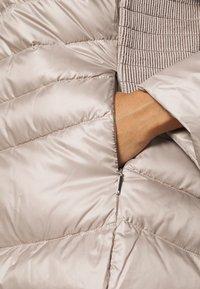 Lauren Ralph Lauren Woman - MOTO FILL JACKET - Piumino - luxe chino - 4