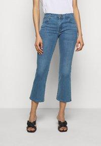 J Brand - SELENA MID RISE CROP BOOT - Jeans Skinny Fit - vivacious - 0