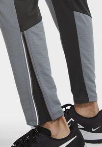 Nike Performance - ELITE PANT - Tracksuit bottoms - smoke grey/dark smoke grey - 6