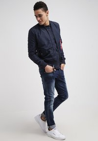 Alpha Industries - Giubbotto Bomber - marine - 1