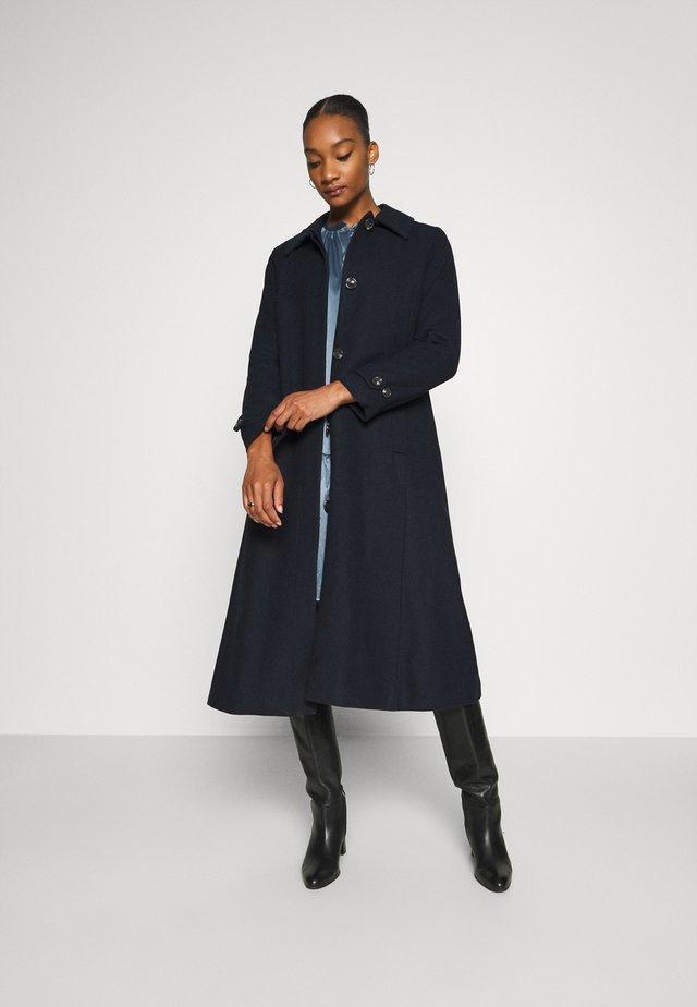 ZAFIRAH COAT - Zimní kabát - marine blue