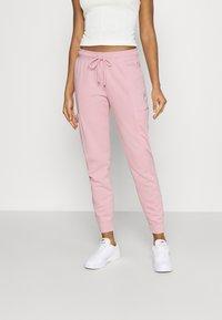 Nike Sportswear - AIR PANT - Verryttelyhousut - pink glaze - 0
