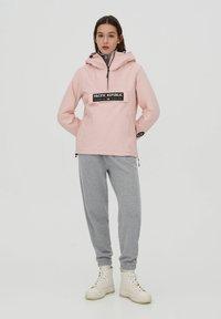 PULL&BEAR - PACIFIC REPUBLIC - Winter jacket - rose - 1