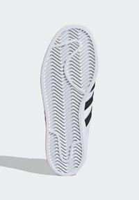 adidas Originals - ADIDAS ORIGINALS ADIDAS X LEGO - SUPERSTAR - Baskets basses - white - 5