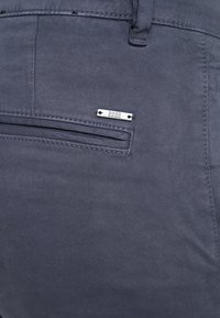 BOSS - Chino kalhoty - blaugrau - 5