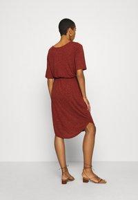 Selected Femme - SLFIVY BEACH DRESS - Žerzejové šaty - red - 2