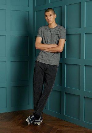 OL VINTAGE EMB  - Basic T-shirt - karst black mega grit