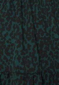 New Look Maternity - PRINTED TIER PEPLUM - Žerzejové šaty - green pattern - 2