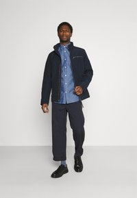 Selected Homme - SLHREGNEW SHIRT - Skjorta - medium blue denim - 1