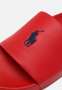 Polo Ralph Lauren - CAYSON UNISEX - Mules - red/navy - 4