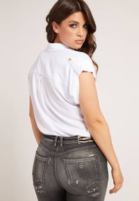 Guess - KURZARM - Button-down blouse - weiß - 2