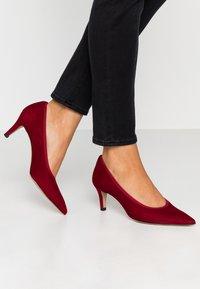 PERLATO - Classic heels - rouge - 0