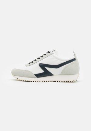 RETRO RUNNER - Sneakers - offwhite