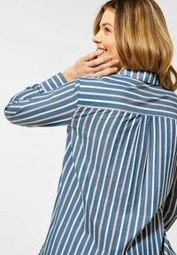 Cecil - MIT STREIFEN MUSTER - Button-down blouse - blau - 2