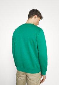 GAP - LOGO - Bluza - green shade - 2