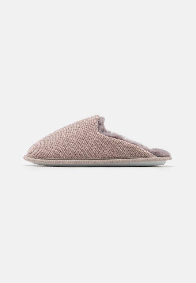 Domácí obuv - nude