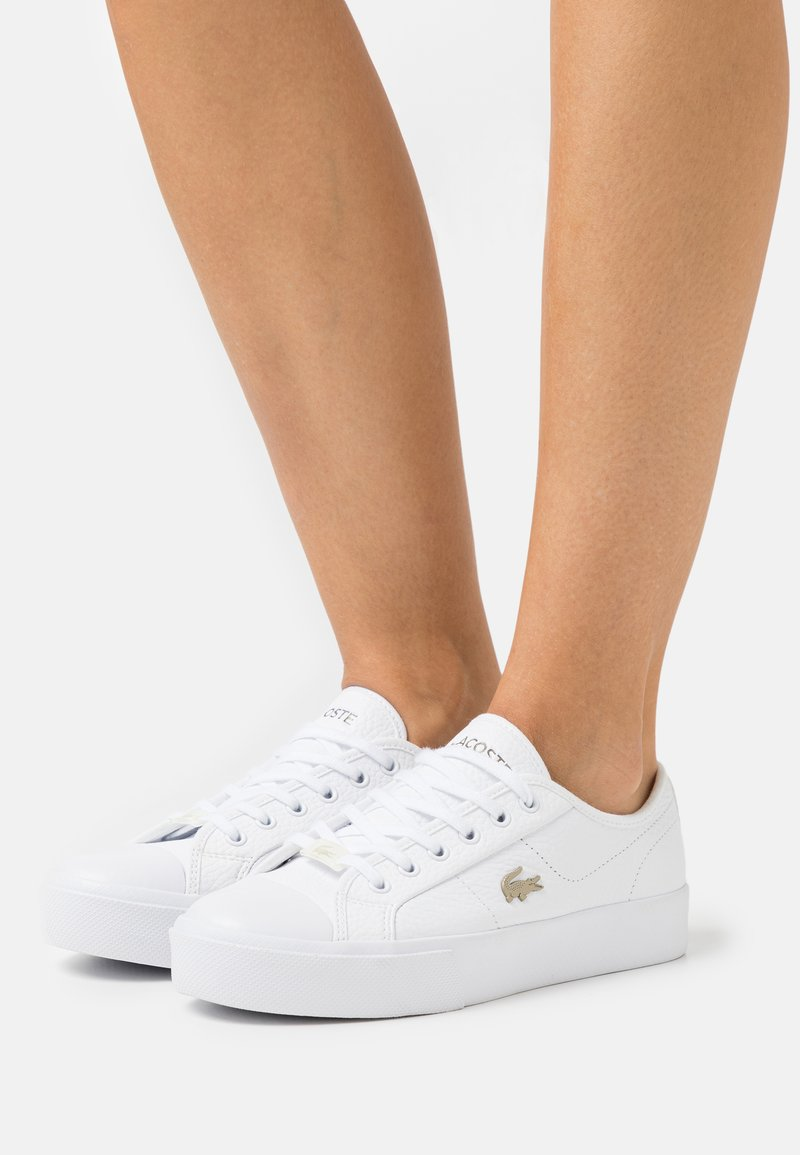 Lacoste - ZIANE PLUS GRAND  - Baskets basses - white