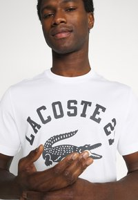 Lacoste - Print T-shirt - blanc - 3