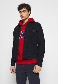 GAP - ARCH  - Bluza z kapturem - lasalle red - 3