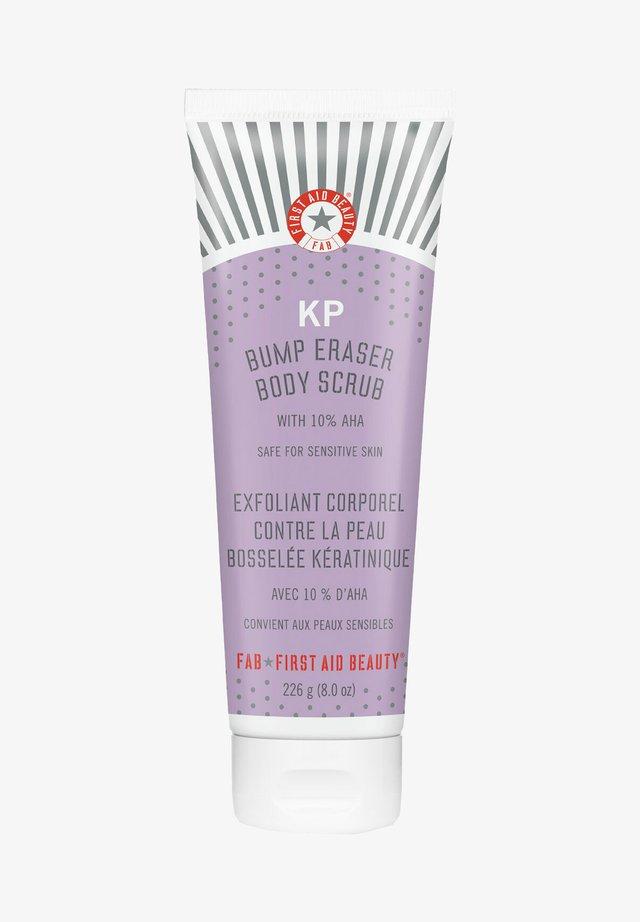 FIRST AID BEAUTY KP BUMP ERASER BODY SCRUB WITH 10% AHA - Body scrub - -