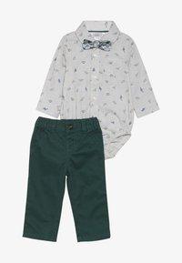 Carter's - BABY SET - Teplákové kalhoty - grey - 4