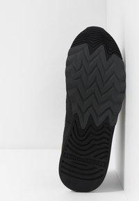 Floris van Bommel - NINETI - Sneaker low - dark green - 4