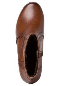Jana - STIEFELETTE - Ankle boots - cognac - 1