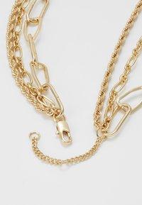 Pieces - PCNAMO COMBI NECKLACE - Necklace - gold-coloured - 3