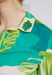 Guess - CLOUIS  - Button-down blouse - mehrfarbig, grün - 3