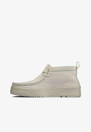 ORIGIN WALLABEE - Sportieve veterschoenen - white leather