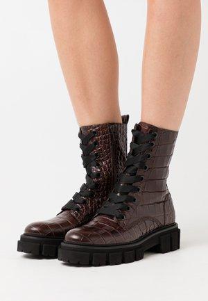 VIDA - Platform ankle boots - braun
