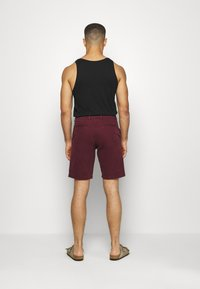 GAP - IN SOLID - Shorts - pinot noir - 2