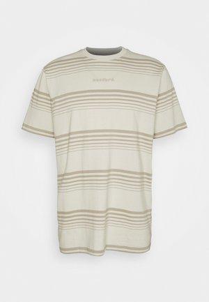 KLIX SCORE TEE - T-shirt med print - sand